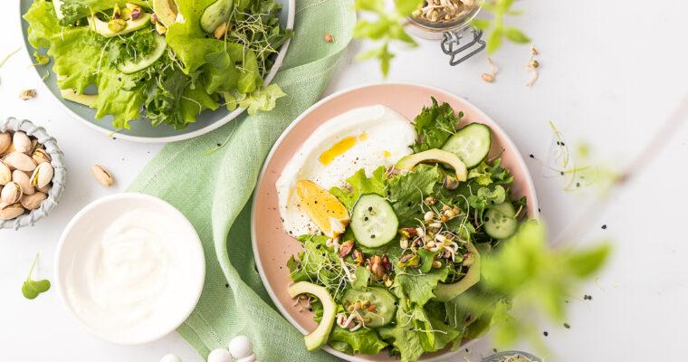 Roheline salat idandite ja jogurtikastmega