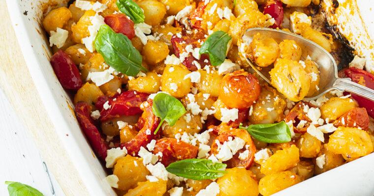 Gnocchi tomatipesto ja ahjuköögiviljadega