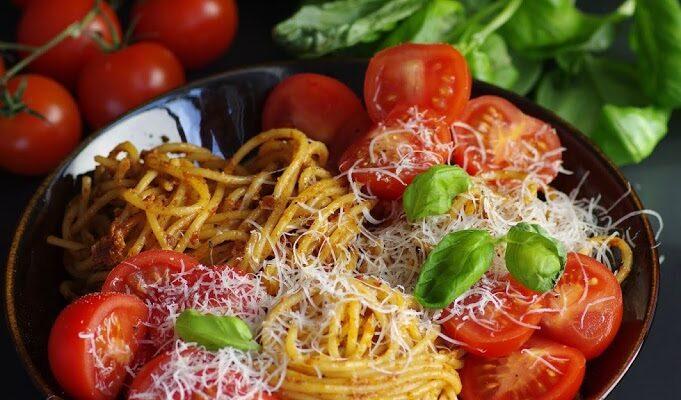 Pesto Rosso spagetid